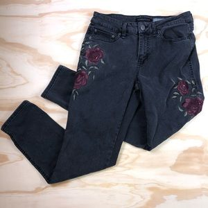 Aeropostale Girlfriend Rose Embroidered Jeggings